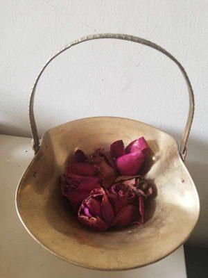 Canasta tipo florera o frutero en solido bronce y bellos grabados