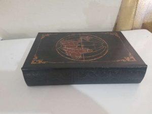 alhajero o caja de seguridad diseño libro tema globo terraqueo