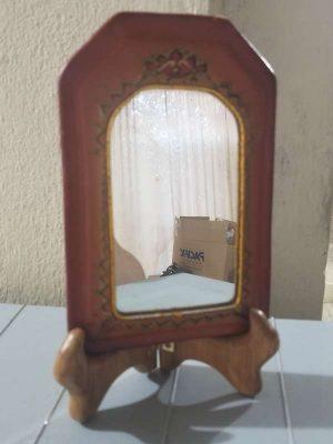 Lindo Espejo De Vanidad Indu En Piel Con Base O Poste Madera